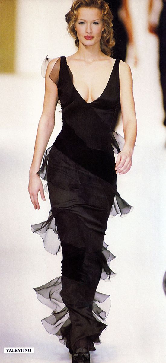 Valentino - classy black