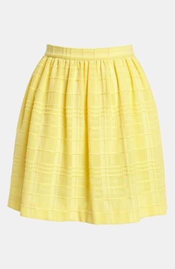 Obsessed with the texture of this yellow skirt.