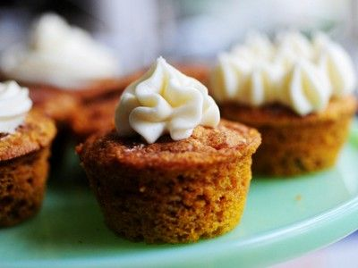 Moist Pumpkin Spice Muffins With Cream Cheese Frosting
