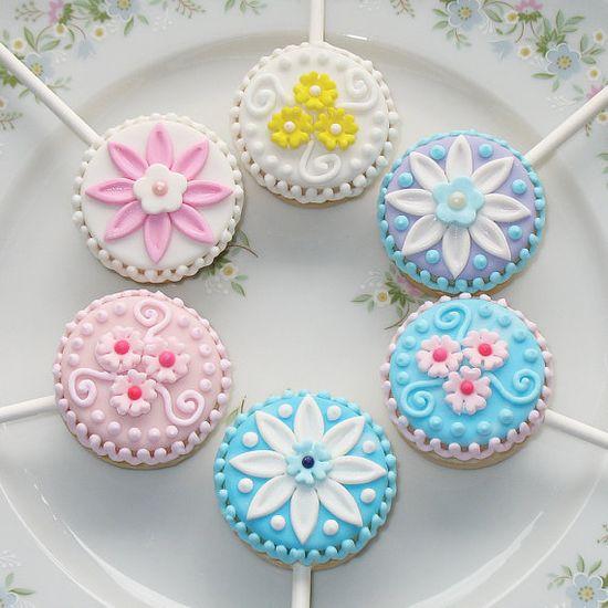 Petite Flower Sandwich Cookie Pops