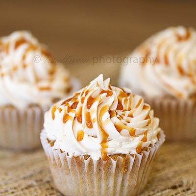 Caramel Apple Pie Cupcakes