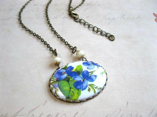 Blue violet necklace vintage style large floral