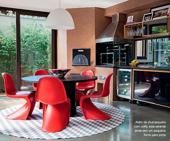 Todo charme de ter uma churrasqueira em casa. Veja como: www.casadevalenti... #decor #decoracao #interior #design #modern #moderno #churrasqueira #casadevalentina
