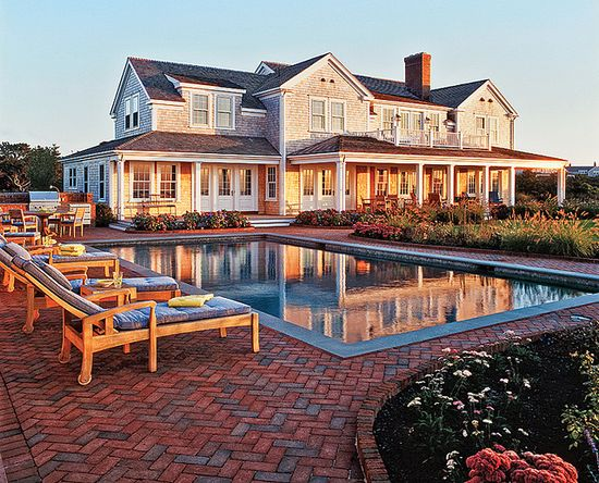 Like my dream house - a massive house out in the country with a pool, yes please.