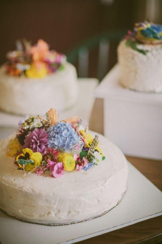 handmade wedding cakes with wildflowers