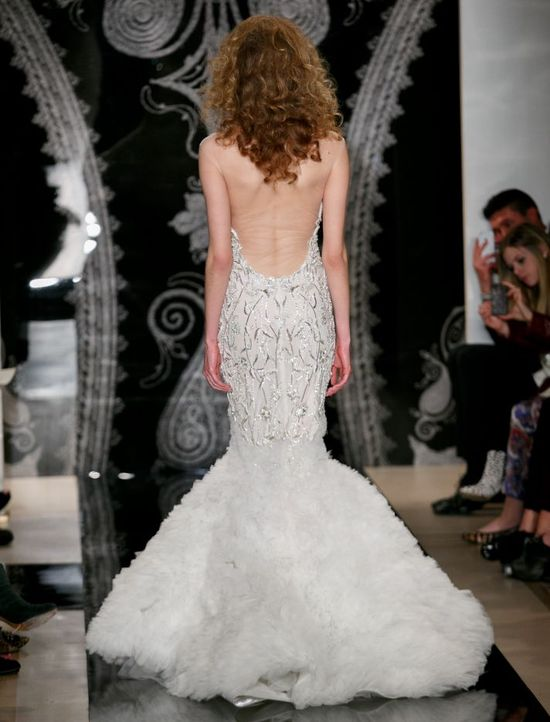Low low back and an out of this world amazing mermaid silhouette from @Reem_Acra