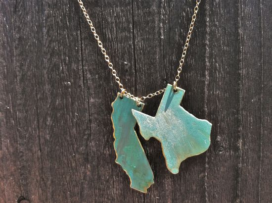 live & love custom necklace. any 2 states on 1. Nice color too. OMG I FREAKING NEED THIS. ASAP. SERIOSULY?...@Evan Martin