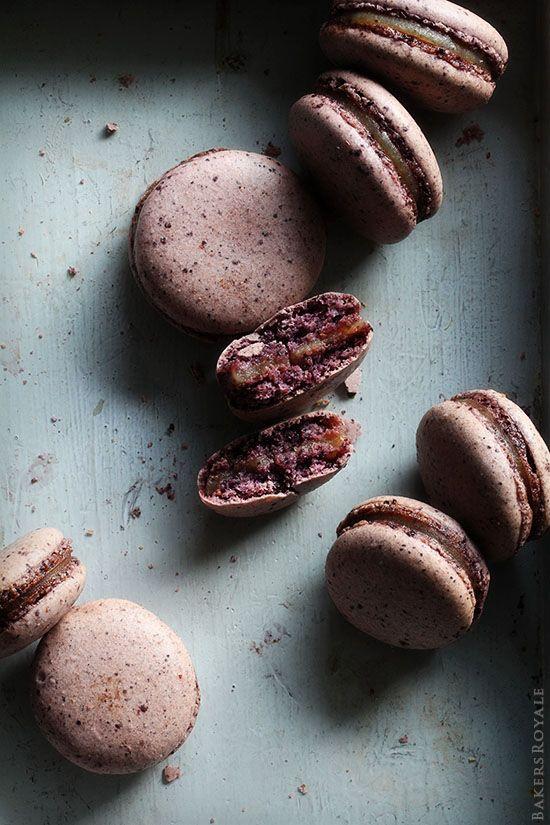 Blueberry Macaron w Pear & Earl Grey Filling