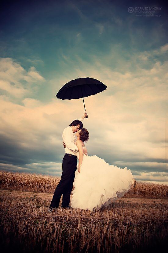 Interesting Wedding Photo Poses