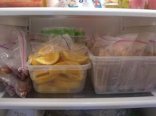 Great post about making a week's worth of lunches in 15 minutes. Not freezer food, but bulk, assembly-line style.