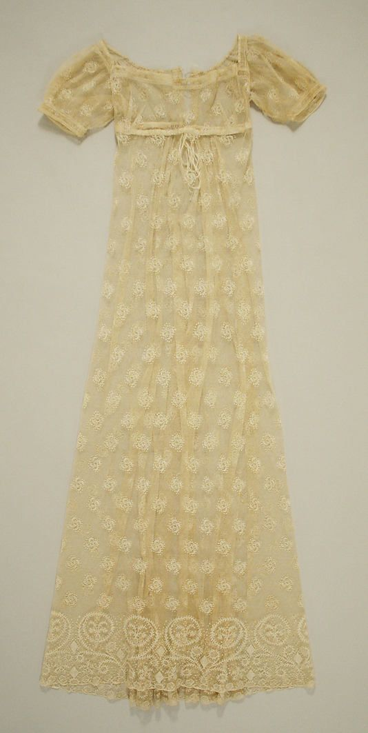 Dress, 1805–10, French. In the Metropolitan Museum of Art collection.