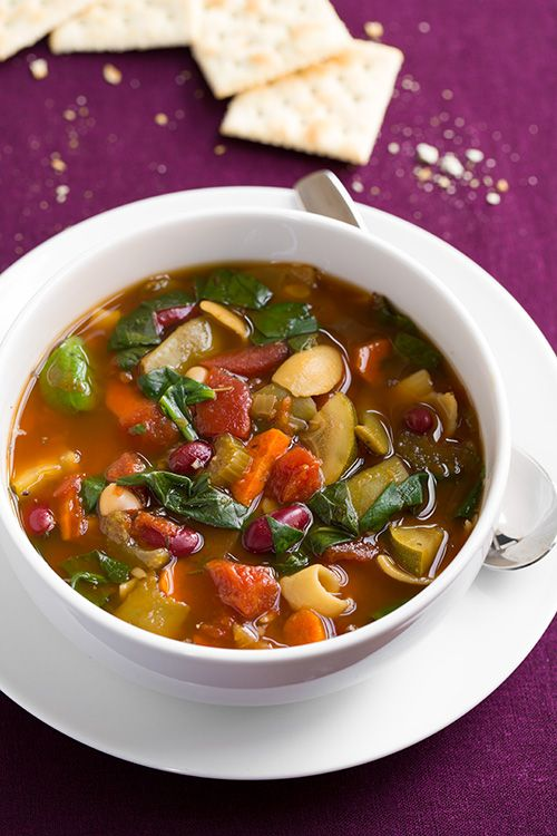 Olive Garden Minestrone Soup Copycat (made in the slow cooker) - it is so good and tastes just like Olive Gardens!