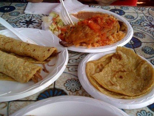La Luz Del Dia -Olvera Street  Handmade tortillas and Best Carnitas in