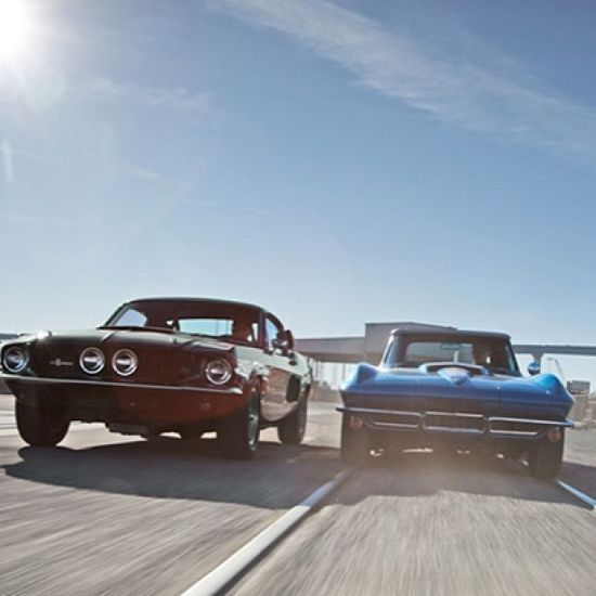 Two very sexy cars. 67' Ford Shelby vs. 67' corvette. Ford shelby is my choice!