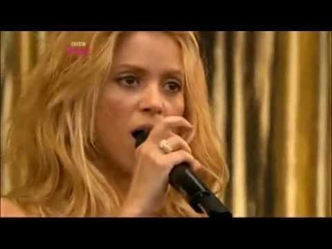 Shakira - She Wolf  (LIVE Glastonbury