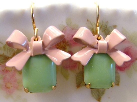 Green with pink ribbon!