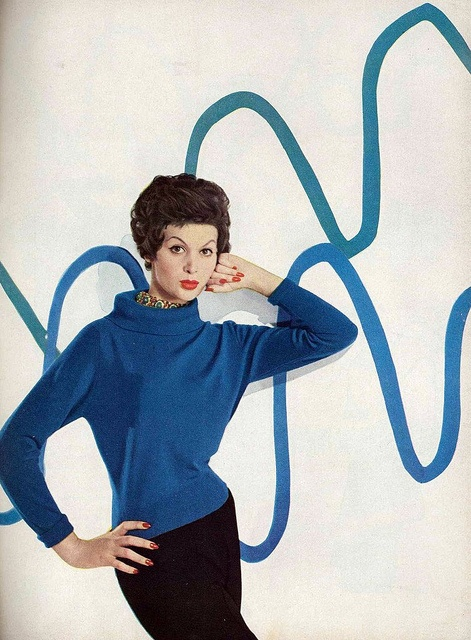 An eye-catching, vividly pretty shade of 1950s blue. #vintage #1950s #fashion #blue #sweater