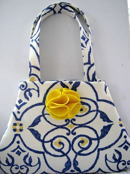 Blue, white and yellow purse findanswerhere.co...