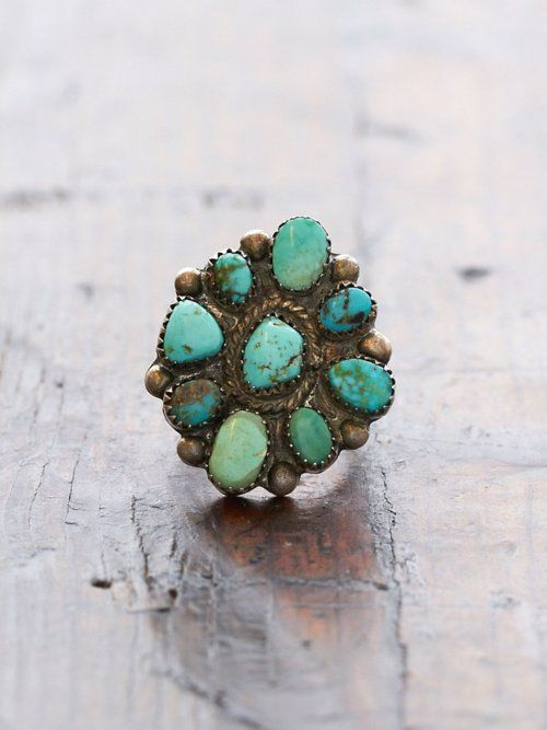 . . .always loving turquoise jewelry ( and all other jewelry as well)!
