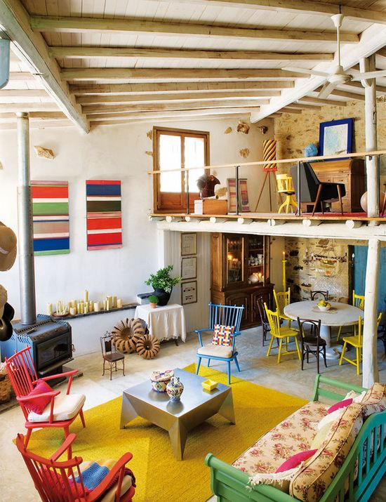 Love this tour of a gorgeous + colorful home.