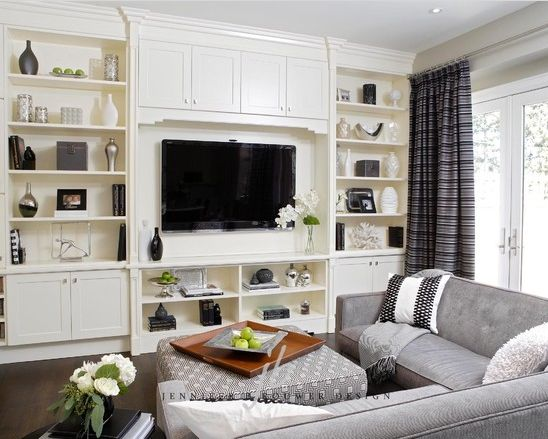 Kimbark living room designed by Jennifer Brouwer Design. #jbd #intdesign #livingroom #familyroom #customdesign #millwork