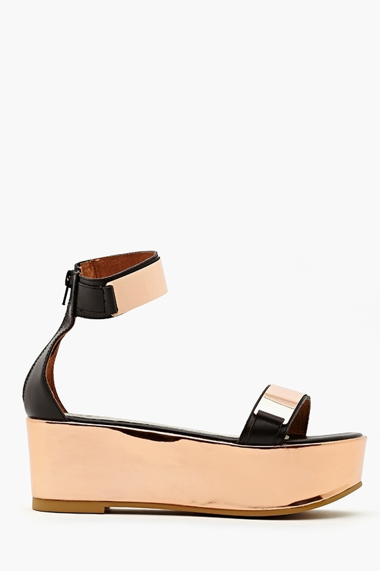 Lars Platform Sandal in Black