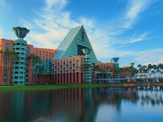 Walt Disney World Dolphin by PhotoNut2010, via Flickr