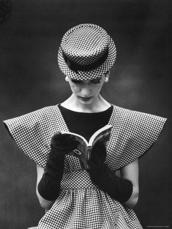 Simone d'Aillencourt by Nina Leen
