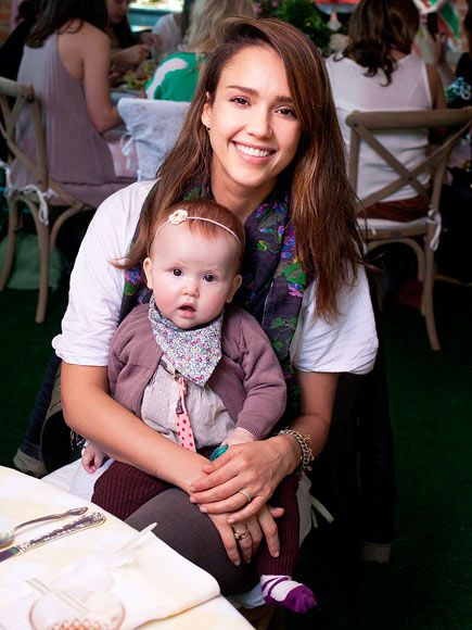 This is a great photo. Jessica Alba is such a natural beauty and seems like a really great mom. :)