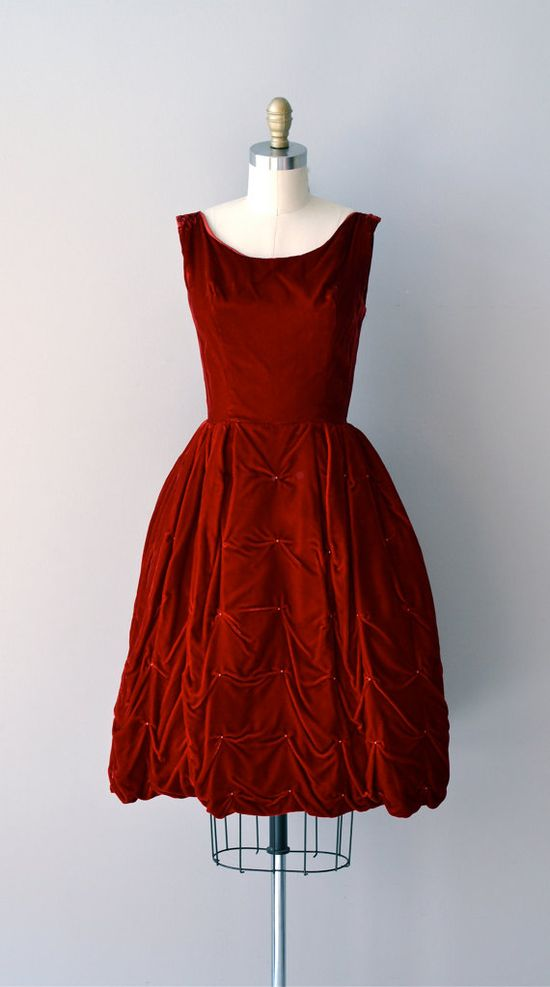vintage 1950s dress. beautiful.