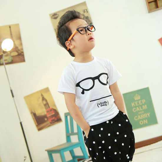 this clothing website features only the cutest asian toddlers modeling their retro clothes. SO CUTE I'M GONNA DIE!