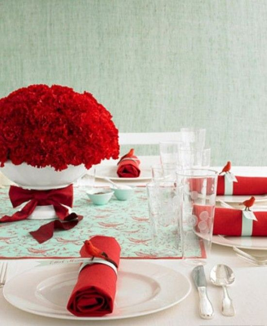 Red christmas table decor. - ideasforho.me/... -  #home decor #design #home decor ideas #living room #bedroom #kitchen #bathroom #interior ideas