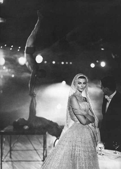Carmen Dell'Orefice. Photo: Richard Avedon. Harper's Bazaar, October 1957.