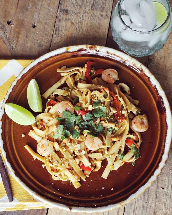 Easy and delicious shrimp pad thai recipe via ABM