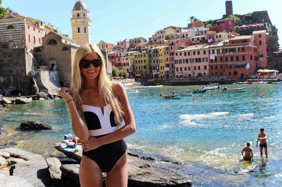 Barefoot Blonde - Cinque Terre- Travel Tips