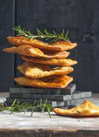 Amateur Cook Professional Eater - Greek recipes cooked again and again: Savoury crackers with rosemary