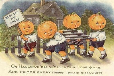 Vintage Halloween postcard.  #halloween #pumpkins #jackolantern