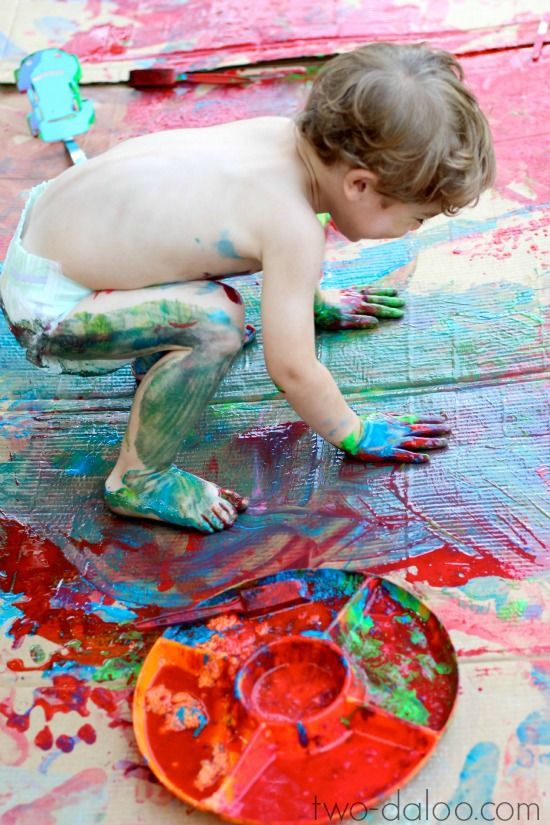 Create magic scented foaming paint with just two ingredients- tempera paint and Koolaid! (Twodaloo)