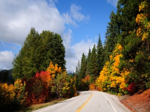 10 Leaf Peeping Places to Enjoy Fall Colors... camping road trip anyone? (Leavenworth, WA)