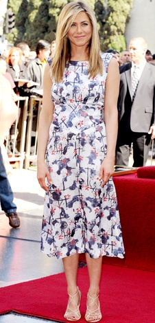 02/23/12: From her relaxed locks to her flirty print, Jennifer Aniston looked cool and confident at her ceremony.