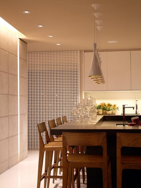 A stylish and cozy kitchen. #interior #design #style #details #casacor #decor #details #casadevalentina