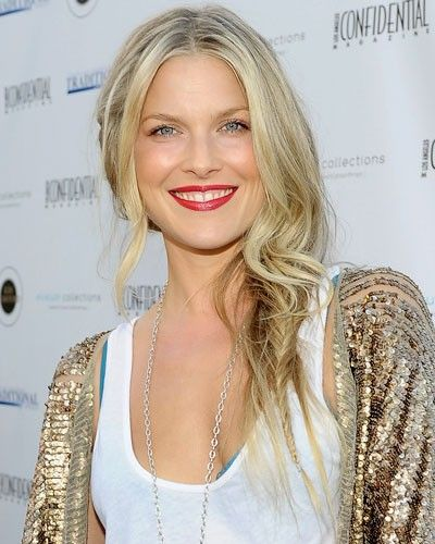 A super-sneaky fishtail! #hair #beauty #braid #fishtail #makeup #lipstick