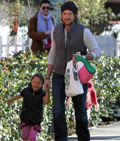 Gabriel Aubry y su hija Nahla se divierten juntos de nuevo #modelos #famosos #people #celebrities