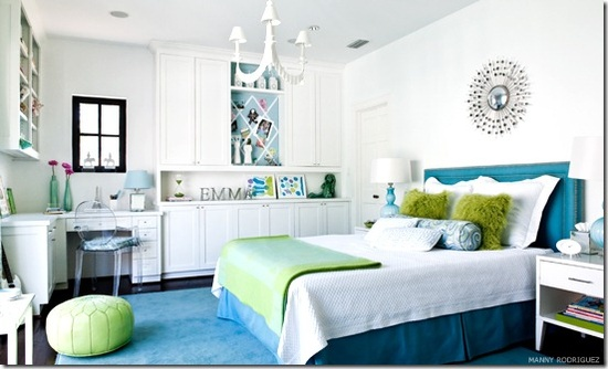 LOVE the color scheme with the Teal and Green.