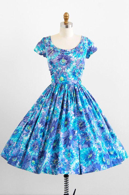 vintage 1950s blue + lavender floral print cotton dress