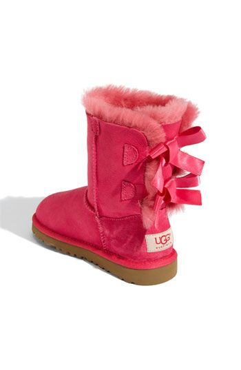 pink bow uggs ????  I WANT THIS!