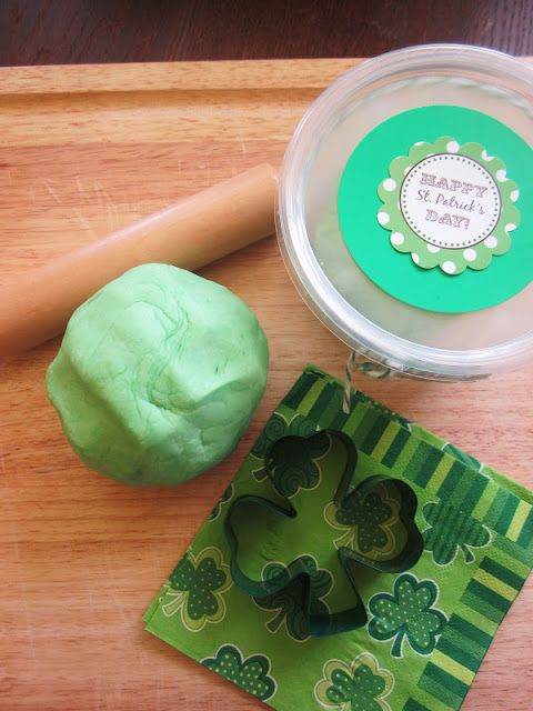Homespun With Love: Kids Play: St. Patrick's Play Dough