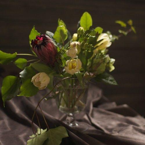 Alternative Valentine's Day Flower Arrangements that aren't all red and pink... #flowers #valentinesday