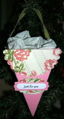 Treat basket made with the Petal Cone Bigz L Sizzix die from Stampin' Up!  www.sandrascrafts...