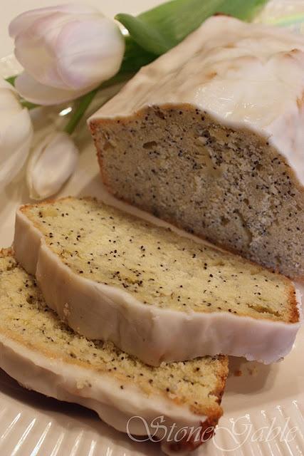 Lemon seed poppy cake